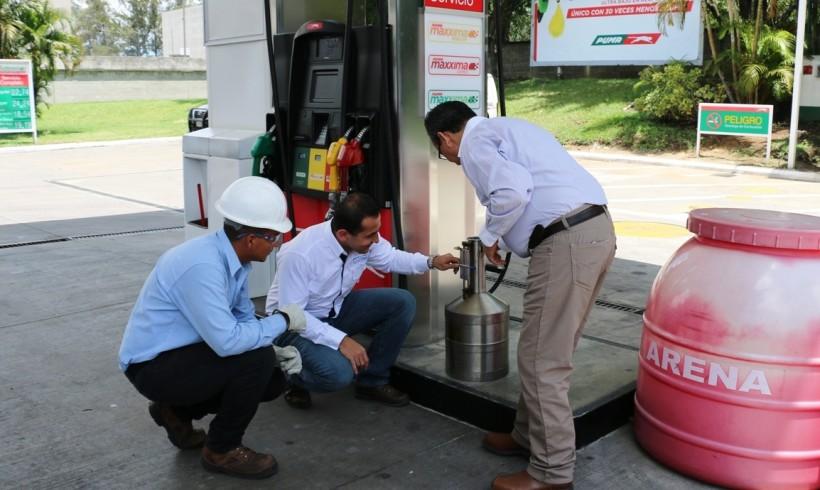 MINISTRO DE ENERGÍA Y MINAS COORDINA OPERATIVOS DE FISCALIZACIÓN EN GASOLINERAS