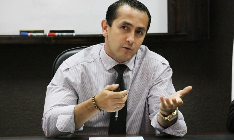 MINISTRO DE ENERGÍA Y MINAS IMPULSA REESTRUCTURACIÓN INSTITUCIONAL